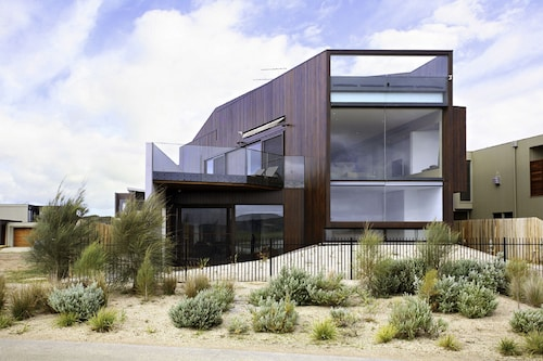 Absolutely Stunning Holiday Home, Surf Coast - East