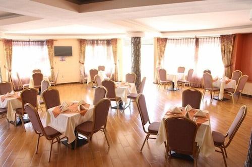 Nican Resort Hotel, Jinja
