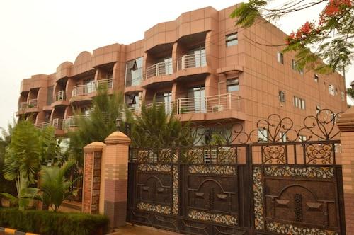 Super Paradise Hotel, Kampala
