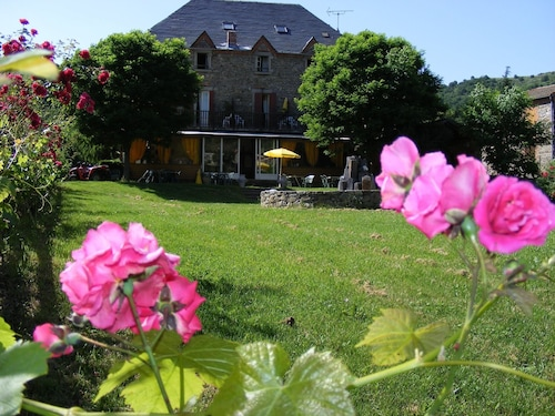__{offers.Best_flights}__ Hotel Saint Verny
