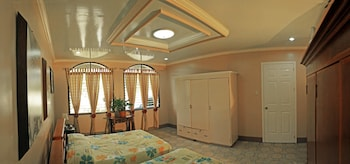 SEA OF DREAMS RESORT Room