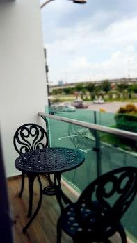 Deluxe Oda, Balkon