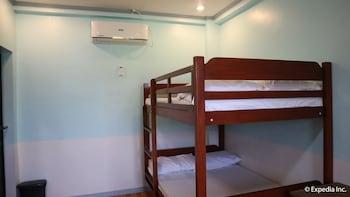 ZEAH'S INN Guestroom