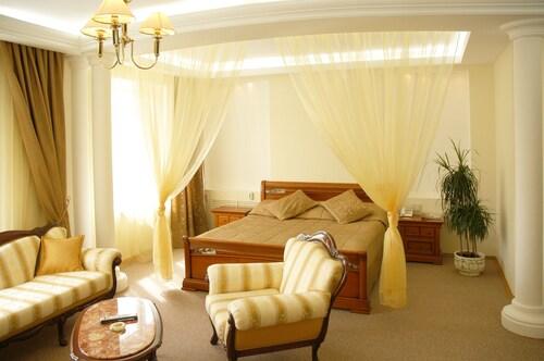 . Hotel Atal
