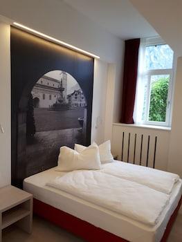 Comfort Tek Büyük Veya İki Ayrı Yataklı Oda, 1 Yatak Odası, Özel Banyo, Bahçe Manzaralı