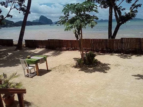 El Nido Dreamland Beach Front Cottages, El Nido