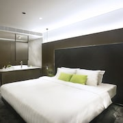旭逸酒店 (荃灣)