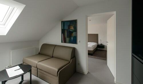 B(l)ackhome City Hotel, Salzburg