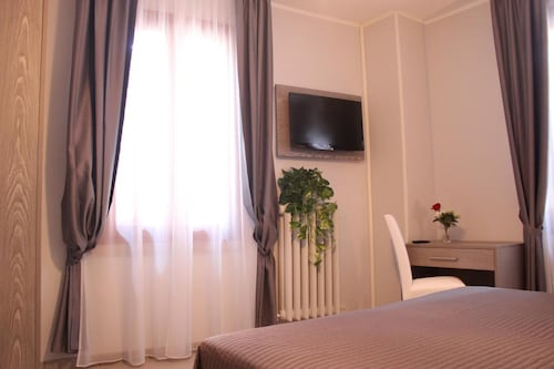 __{offers.Best_flights}__ Hotel Savoia