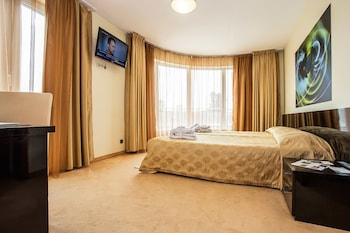 Double Room (with Free underground parking)