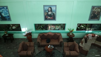 LUXUS RESIDENCIA DE BALER Lobby Sitting Area