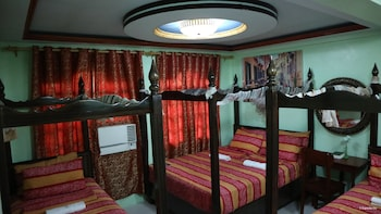 LUXUS RESIDENCIA DE BALER Room