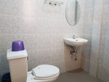 ELMAR CABIN Bathroom