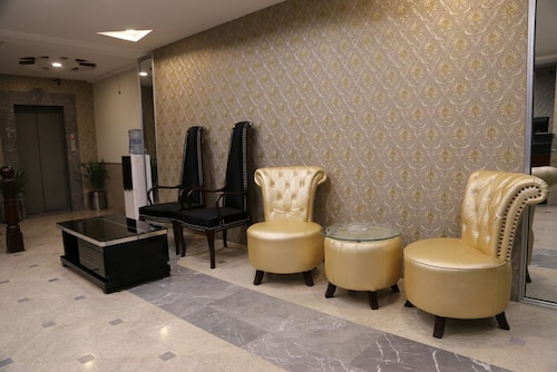 Hotel Shanghai, Lahore