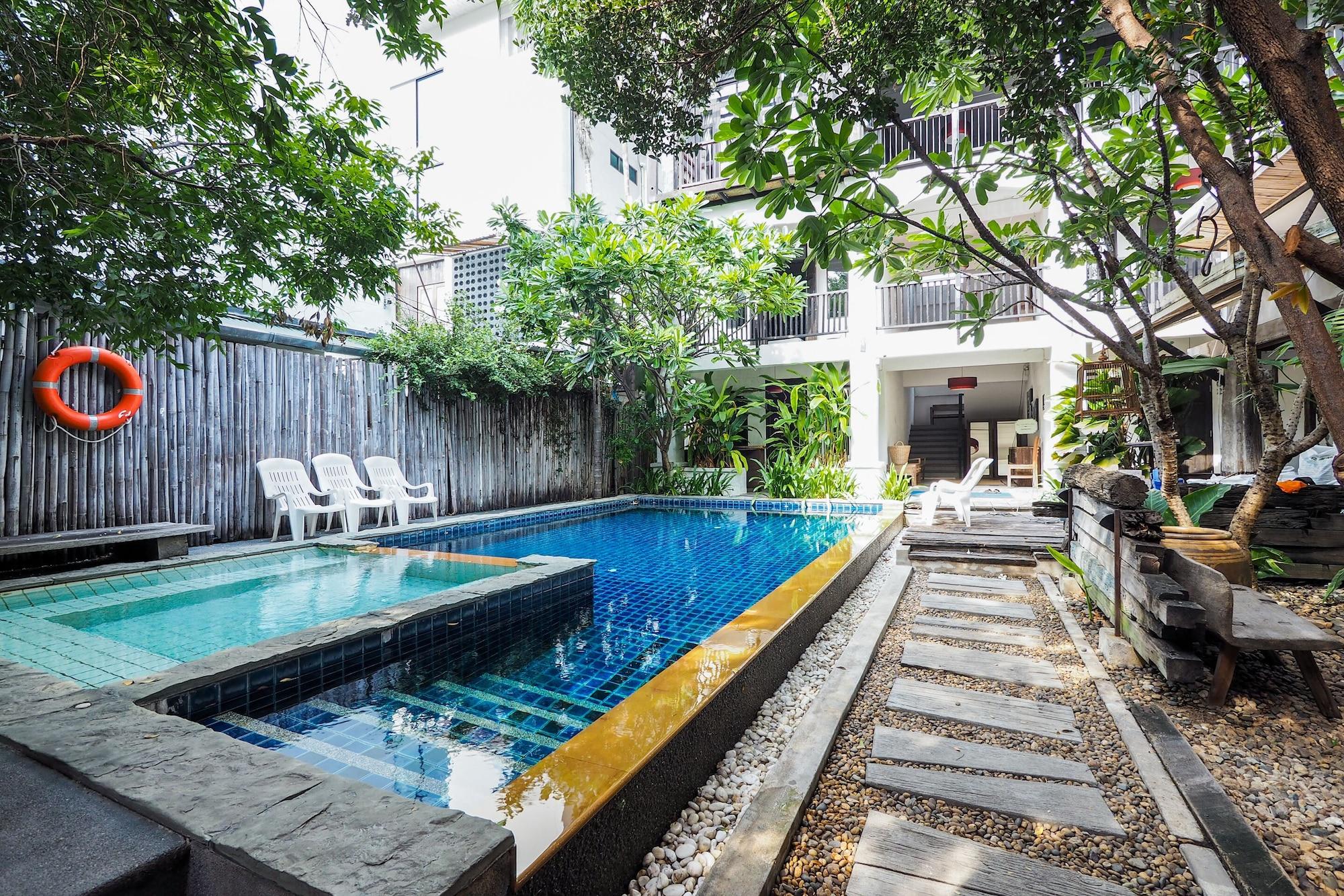 OYO 988 Good Morning Chiang Mai Tropical Inn, Muang Chiang Mai