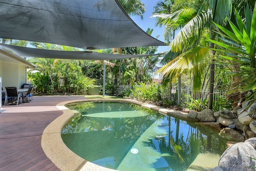 White Sapphire Holiday House, Cairns - Northern Suburbs