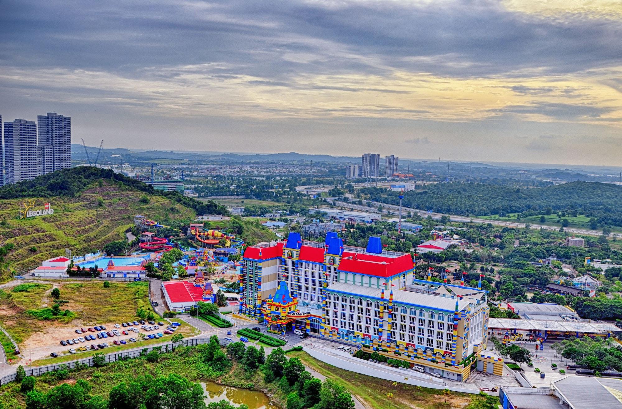 Holi Afiniti Themed Suites, Johor Bahru