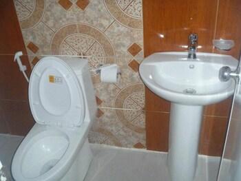 D'MARINERS HOTEL Bathroom