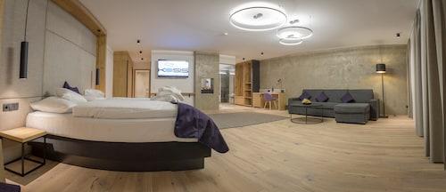 . KOSIS Sports Lifestyle Hotel