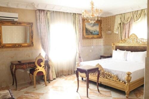 Grand Emperor Hotel, Eti-Osa