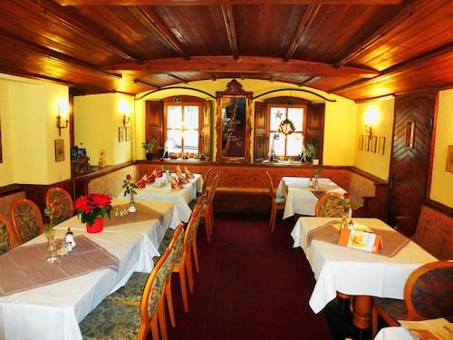 Hotel & Restaurant Zum Schwarzen Kreuz, Ahrweiler