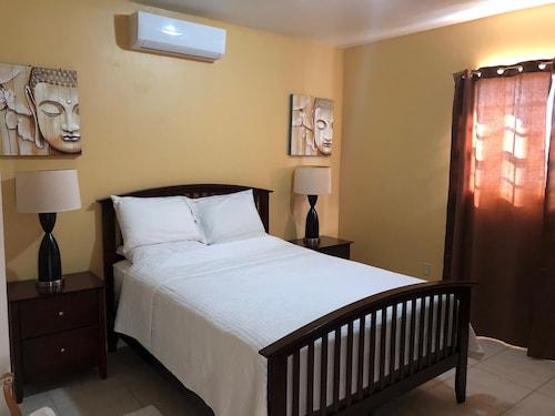 Sunset Ridge Hotel,