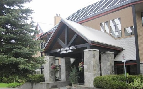 Spearhead Dr. Apartment offered by Short Term Stays, Squamish-Lillooet