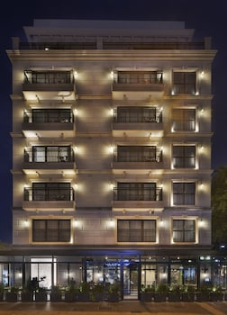 Hotel - Jacob Samuel