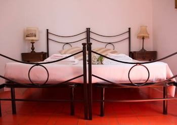 Comfort Room, Connecting Rooms, Garden View