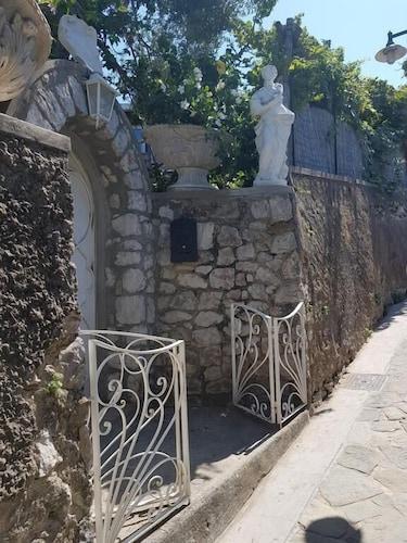 Casa Gaia, Napoli