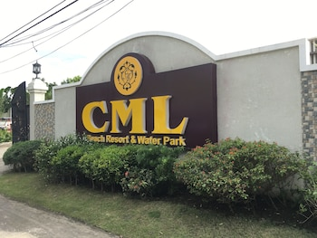 CML BEACH RESORT & WATER PARK Front of Property