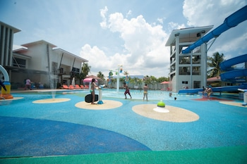 CML BEACH RESORT & WATER PARK Water Park