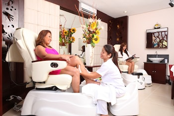 CML BEACH RESORT & WATER PARK Spa Treatment
