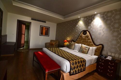 Indraprastha Spa Resort, Kangra
