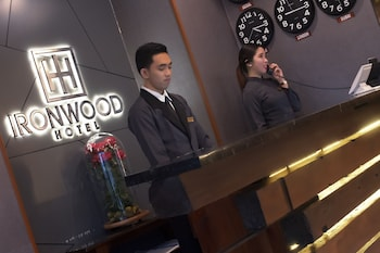 IRONWOOD HOTEL Concierge Desk
