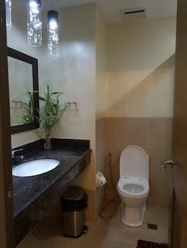 N602 OUTLOOK RIDGE RESIDENCES Bathroom