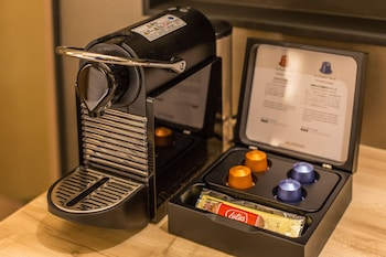 HOTEL MUSSE GINZA MEITETSU Coffee and/or Coffee Maker