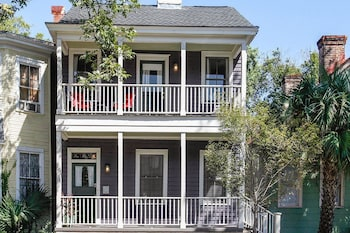 Historic 4BR w/Fenced Yard in the Victorian District Home