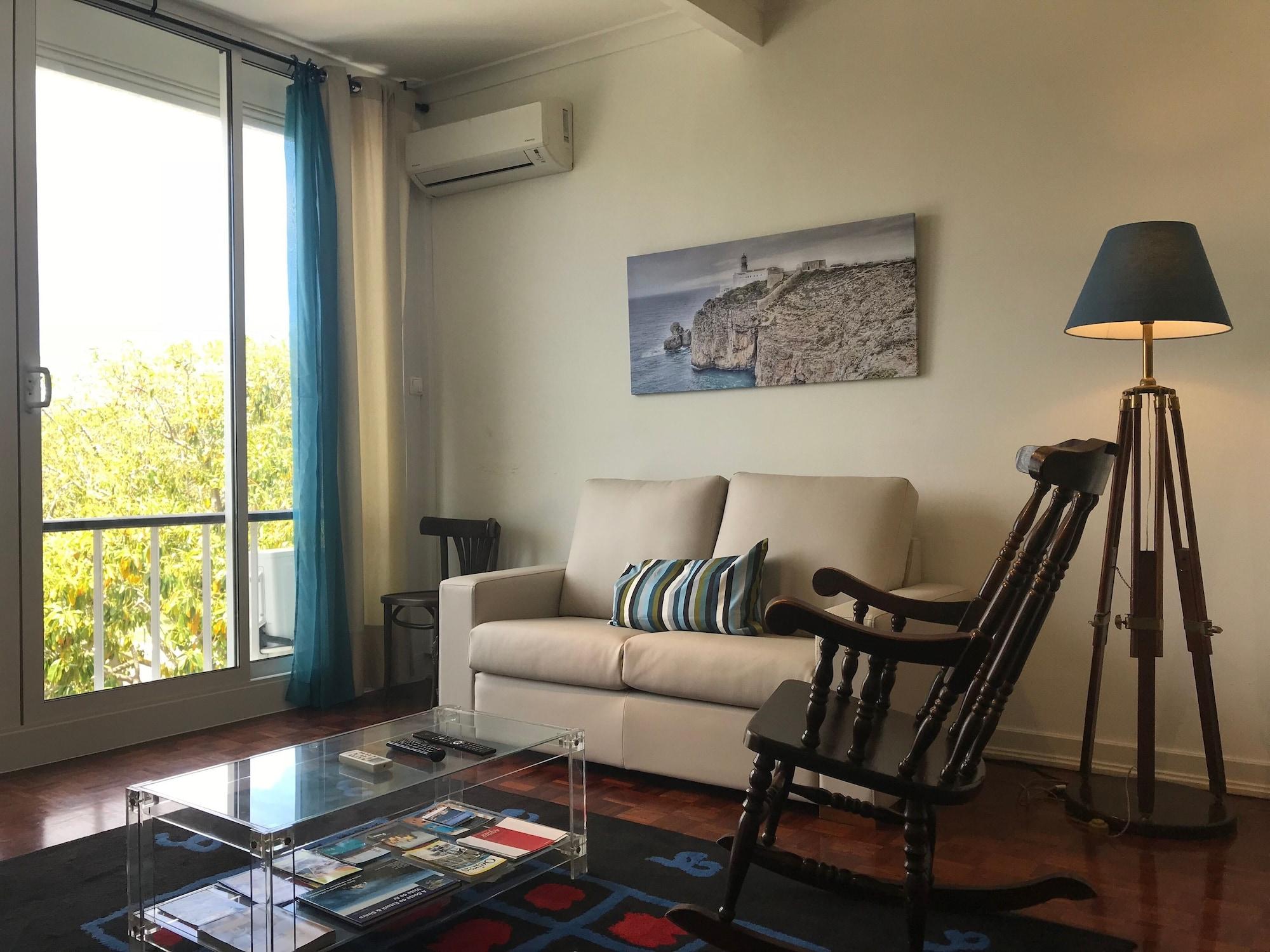 Rent4Rest Estoril Beachfront Apartments, Cascais
