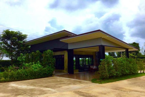 Na Kabin Resort, Kabin Buri