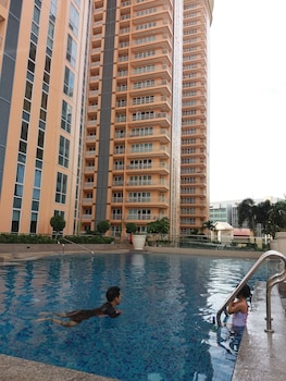 PRIVATE RESIDENCE @ MCKINLEY HILL Taguig Manila