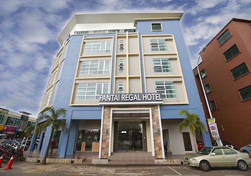 . Pantai Regal Hotel