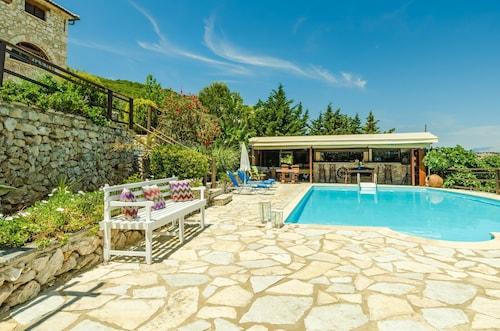 . Villa Poseidon