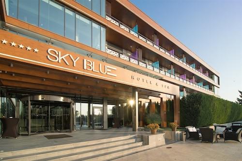 . Sky Blue Hotel & Spa