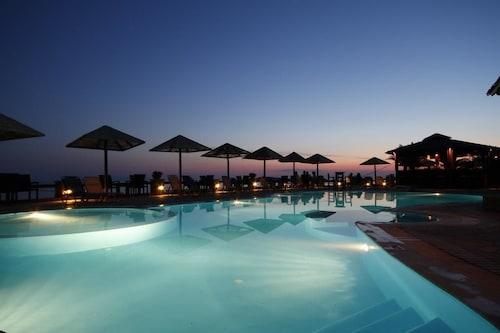 . Blue Bay Resort Village