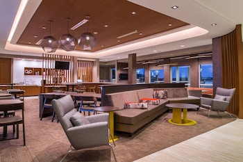 格林斯伯勒機場萬豪春季山丘套房飯店 SpringHill Suites by Marriott Greensboro Airport