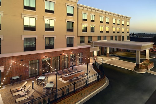 . Courtyard by Marriott LaGrange