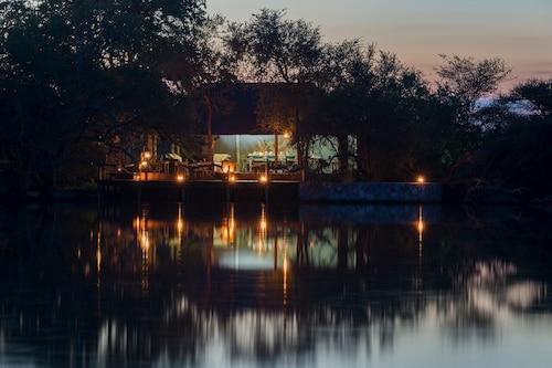 Nkwe Safari Lodge, Ghanzi