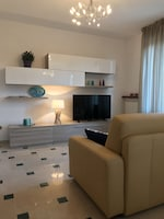 Luxury Apartment, 4 Bedrooms, Balcony, Partial Sea View