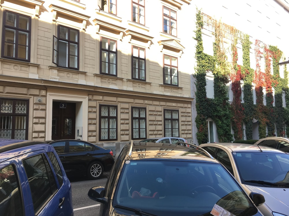 Heart of Vienna Harmoniegasse